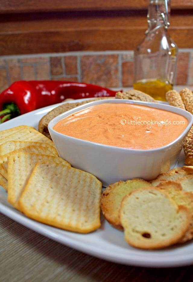 Little Cooking Tips Creamy garlicky roast pepper dip