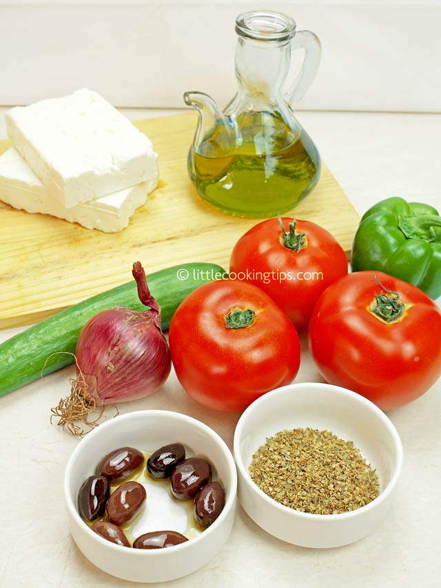 Little Cooking Tips The authentic Greek Salad (Horiatiki)