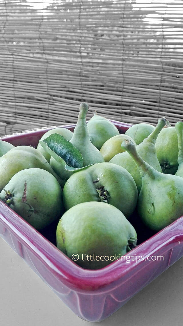 Greek kontoules pears