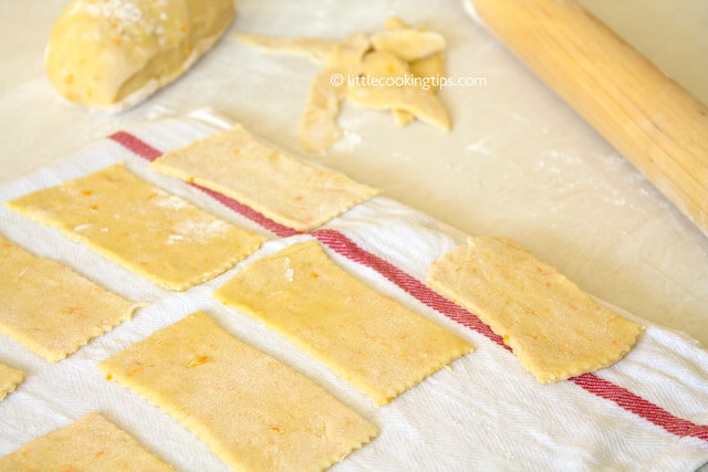 Little Cooking Tips - Diples- the dough cutting