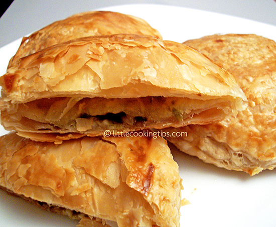 Puff pastry hand pies with mushrooms, peppers and smoked turkey